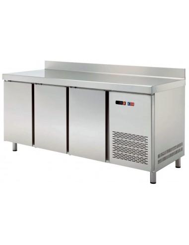 Mesa Skack Refrigerada 3 Puertas Fondo 600 MRCH-200
