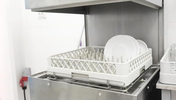 La importancia de un buen lavavasos industrial en una cocina profesional